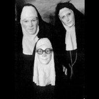 Les Nonnes Troppo  dans N nonnestroppo2